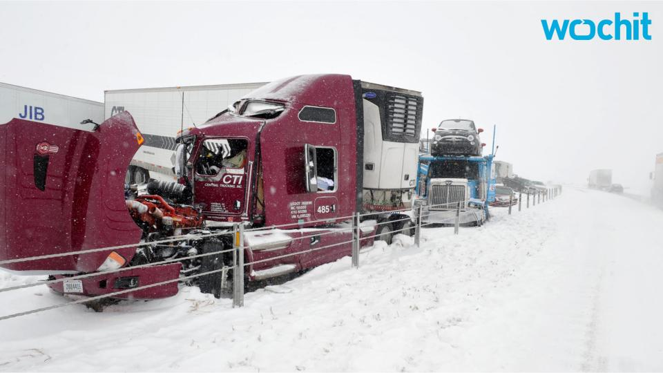 Harsh Winter Weather Snarls Dallas Airport Traffic, Leaving Hundreds Stranded